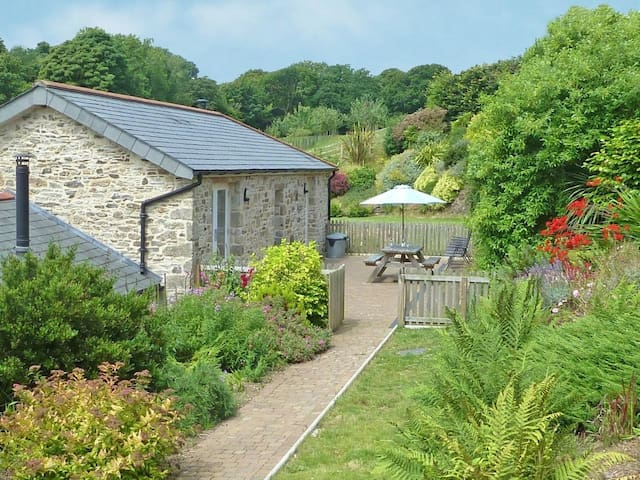ROOSTERS, pet friendly in Lostwithiel, Ref 959539
