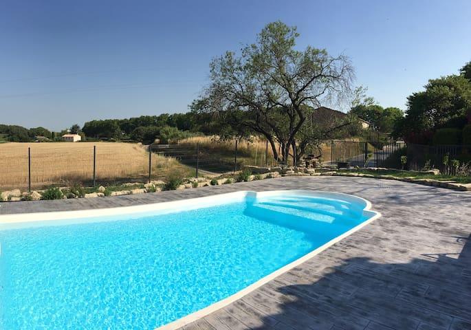 Maison climatisée avec piscine