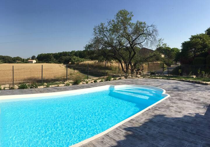 Maison partagée climatisée avec piscine