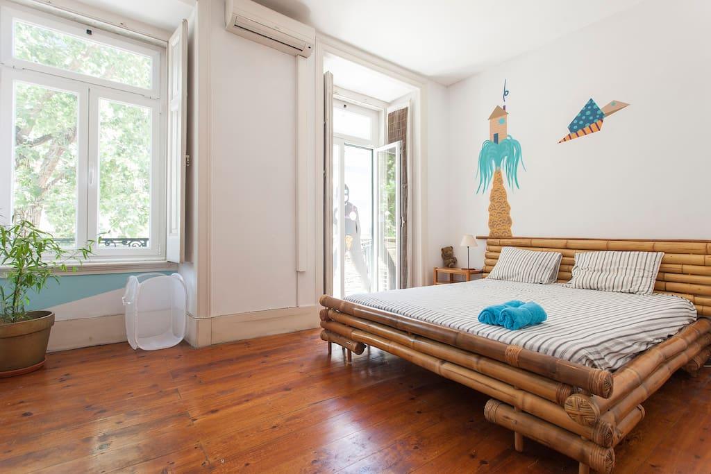 surfgasmhouseterrace endless summer room wohnungen zur miete in lisboa lisboa portugal. Black Bedroom Furniture Sets. Home Design Ideas