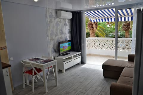 Stylishly renovated, close to beach/shopping+wifi