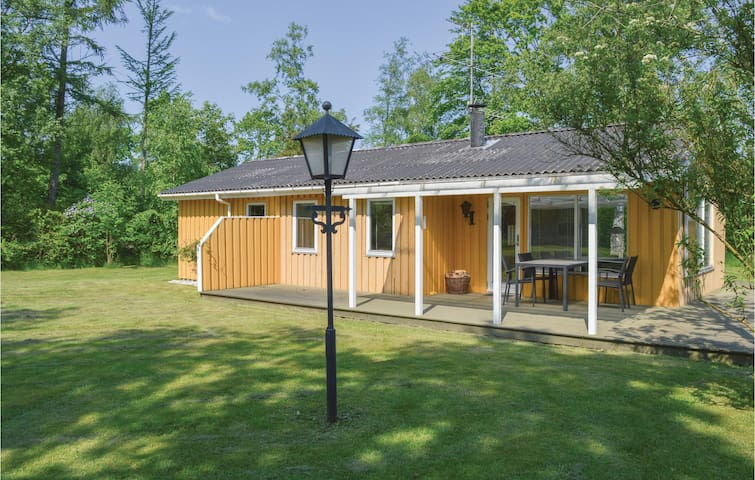 Holiday cottage with 2 bedrooms on 80m² in Jerup