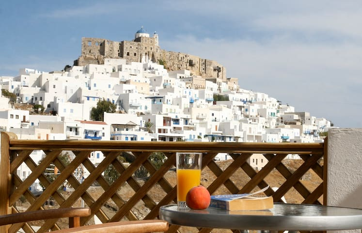 Cozy Studio for Couples in Chora with Amazing View