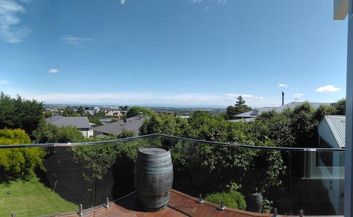Panoramic views in beautiful Cashmere Hills