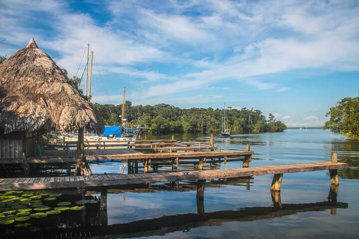 BURNT KEY Nature LODGE 3 | free breakfast+kayaks