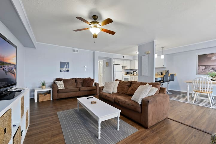 Bradley on the Bay 317D- Located in the hear of town with Amazing Views..