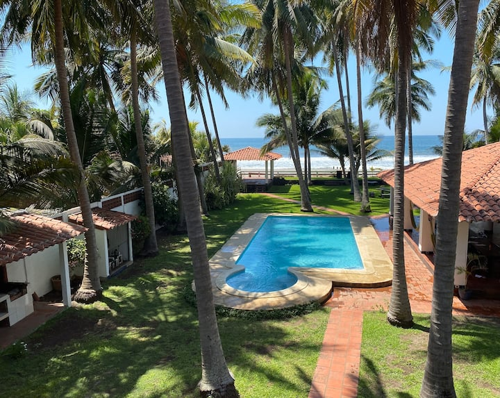 Private Beach House La Cangrajera 6 Bedrooms w/AC
