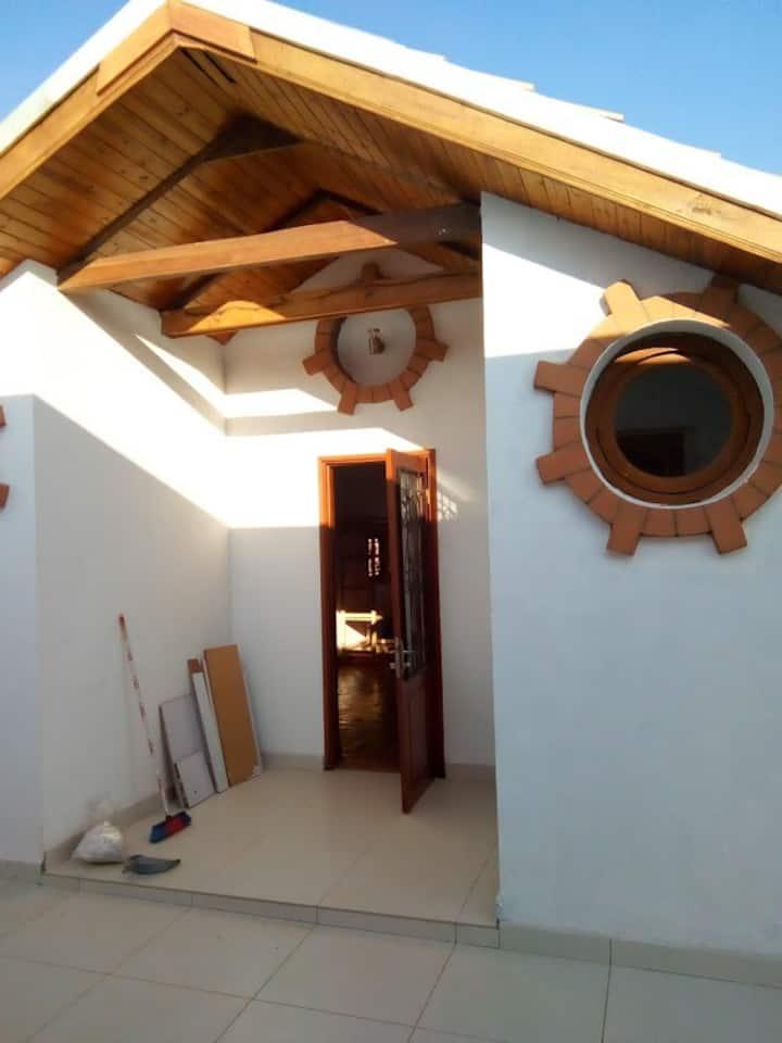Joli studio calme et  indépendant à Ambatobe