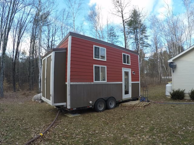 A Beautiful Custom Tiny House in Bristol VT - Bristol - House