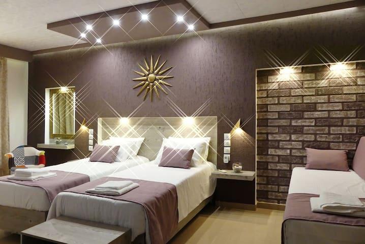 "Hotel ""Four Seasons Apts"" - Room 101"