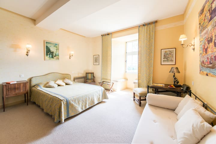 Suite-Family-Ensuite with Shower-Countryside view-Suite 3 adulte 1 enfants