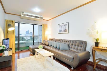 [GD_3.4] 3BR @ PLATINUM MALL - Condominium