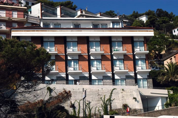 Apt for 2+2 pers with WLAN in Laigueglia R22976
