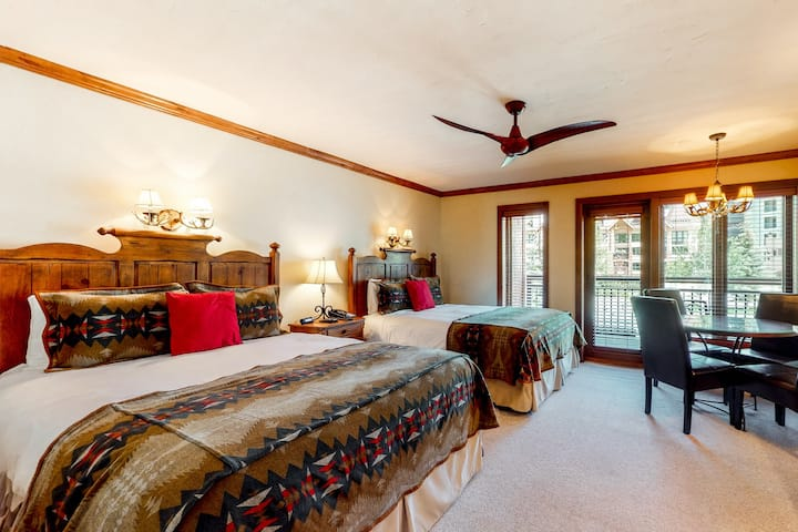 Ski-in/out condo w/fast WiFi, mountain/village view, shared pool/hot tub/laundry