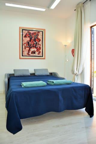 Villa Sitges Maria: Room 3: Sofa bed 150 * 200. In the Study area.