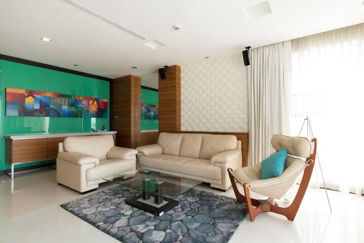Ananya Beachfront - Bang Lamung District - Apartment