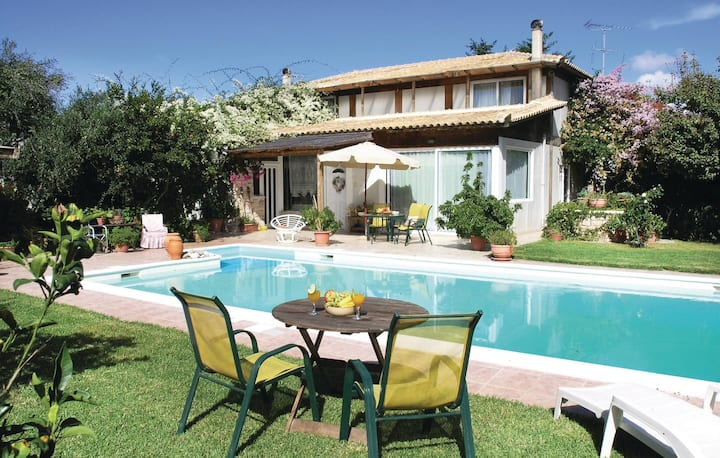 Amazing home in Methoni Messinia with WiFi and 4 Bedrooms