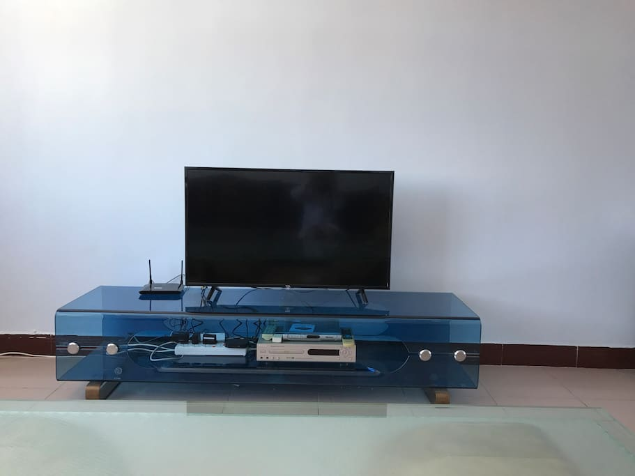 客厅电视43寸