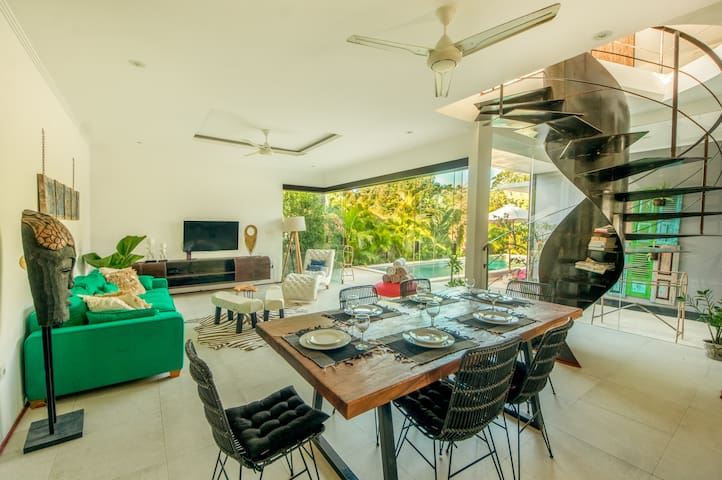 Superb Villa, 3 BR & Pool ❀ Bingin-walk to beach
