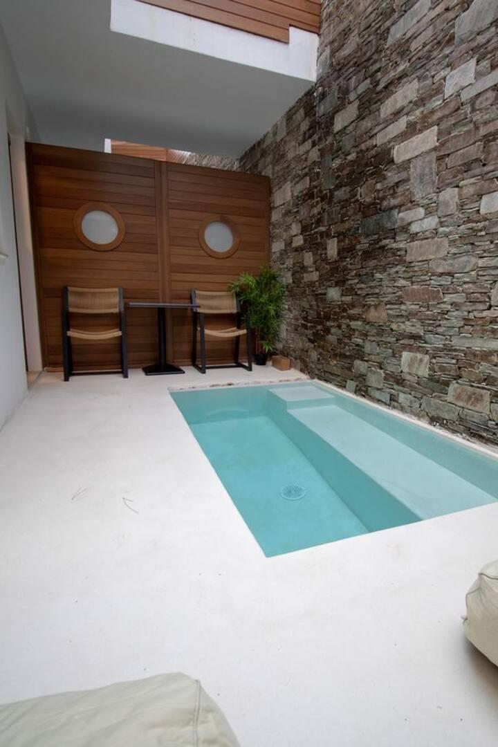Natura  Hotel Mamma Mia junior suite outdoor pool