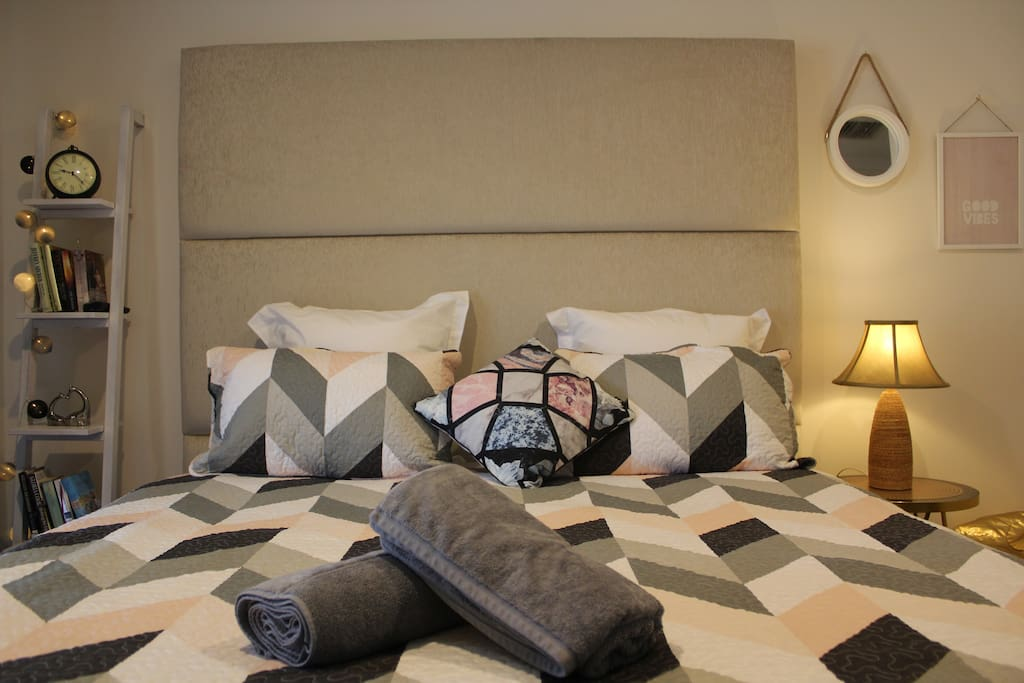 Bed Room For Rent In Rowville