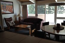 Slopeside 2 Bed/2 Bath/ Loft Condo #18-2 Min Walk