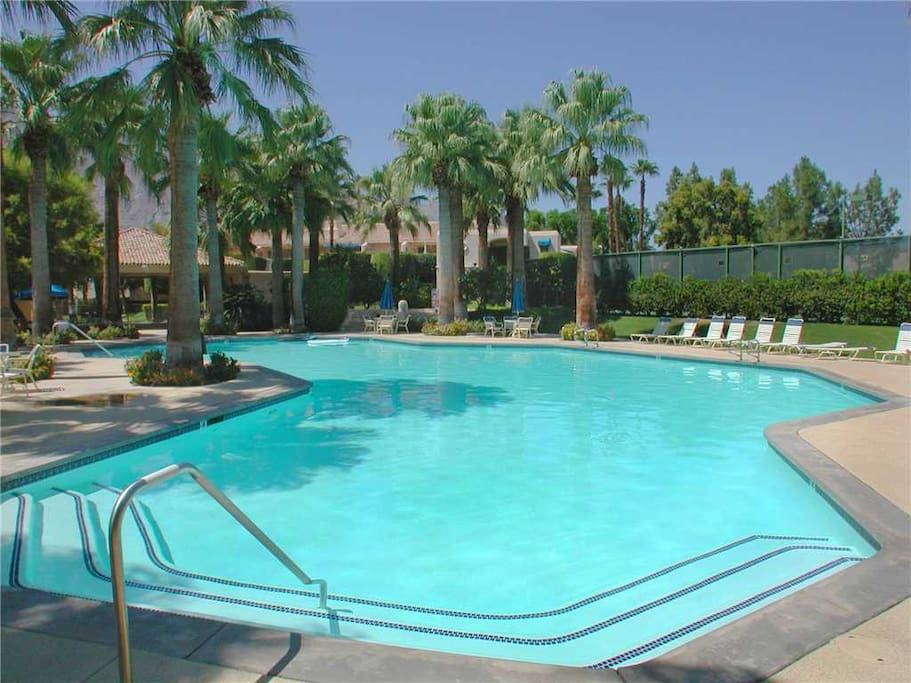 Oranj Palm Vacation Rentals at Deauville Condos Downtown Palm Springs