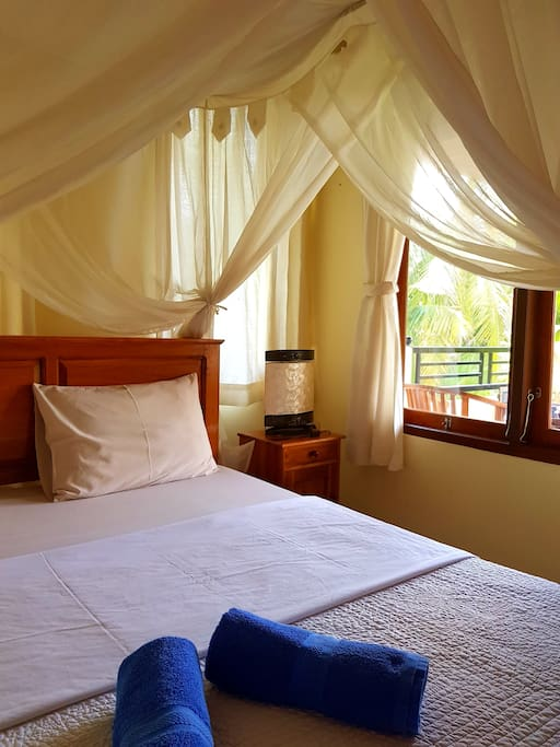 King bed & AC in your room