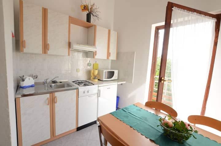 One bedroom Apartment, 30m from city center, in Pavicini, Balcony