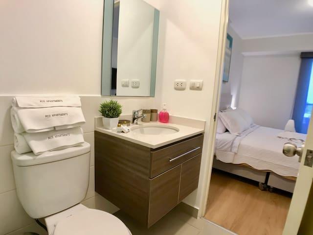 Baño dormitorio principal / Bathroom master bedroom