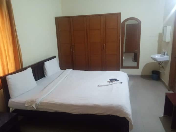 Well furnished 1 BHK Pent House @ Madhapur