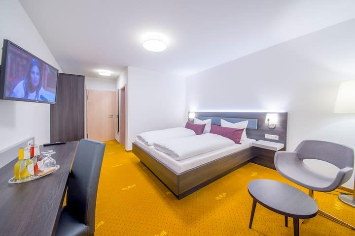 Seminarhotel Nürnberger Hof (Neumarkt i.d. Oberpfalz), Doppelzimmer mit Dusche und WC - Komfort pur