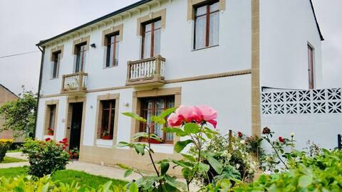 Casa Juan, cerca de Playa de las Catedrales y Lugo