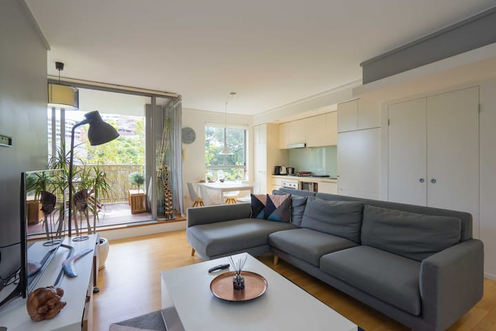 Bright Designer Apartment in Heart of Surry Hills - Surry Hills - Appartement