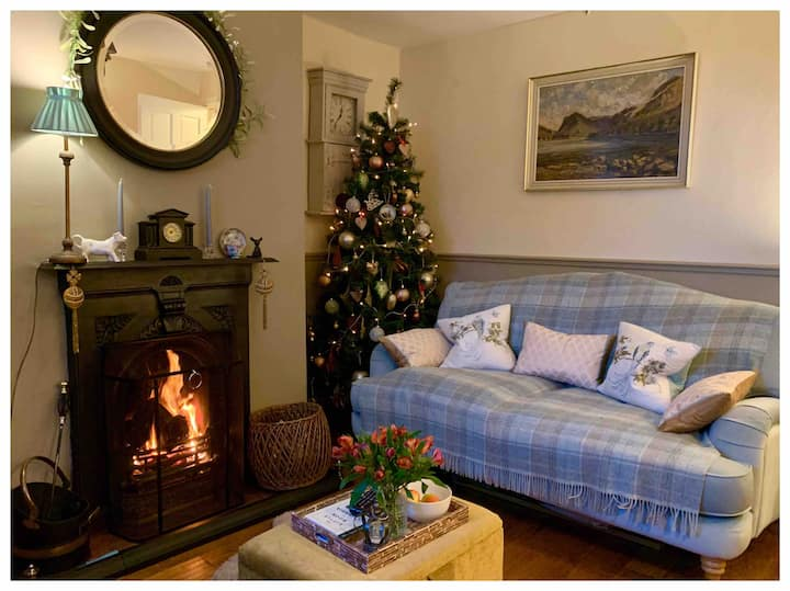 """SOLWAY VIEW COTTAGE B&B""  LUXURY PRIVATE SUITE"