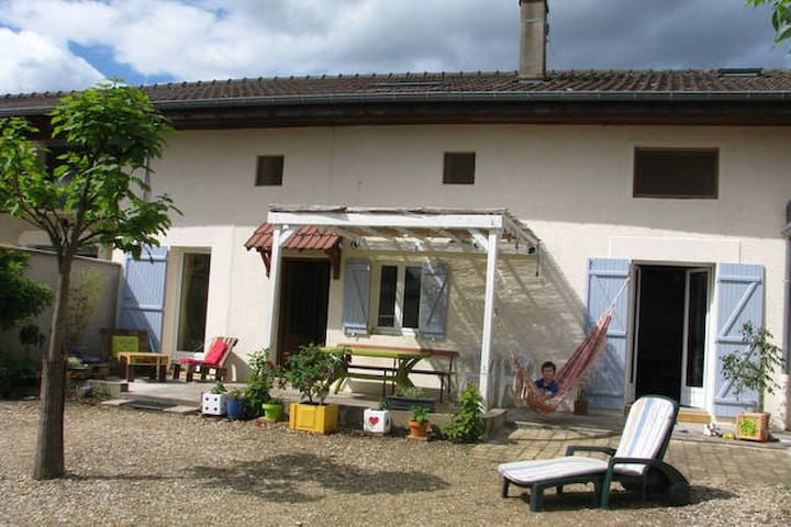 Maison ancienne - Cormoranche-sur-Saône - Huis