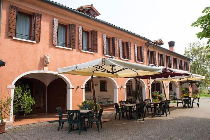 Camere vicino areoporto di Treviso