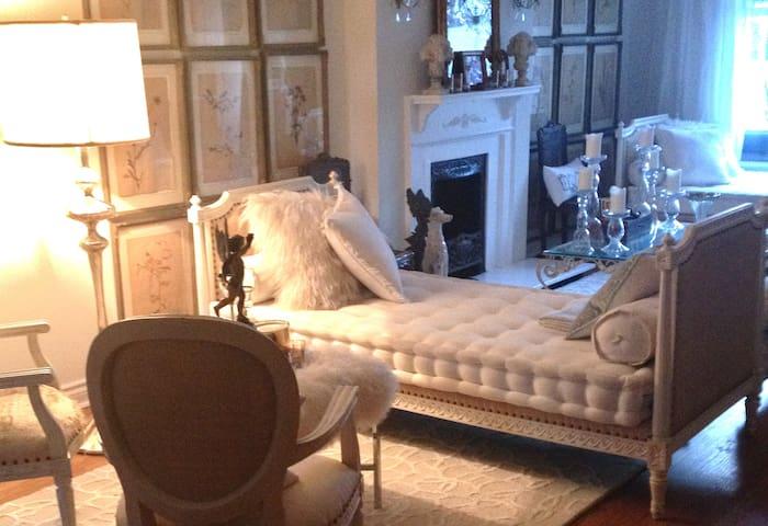 Rosedale Victorian Designer Home - Central