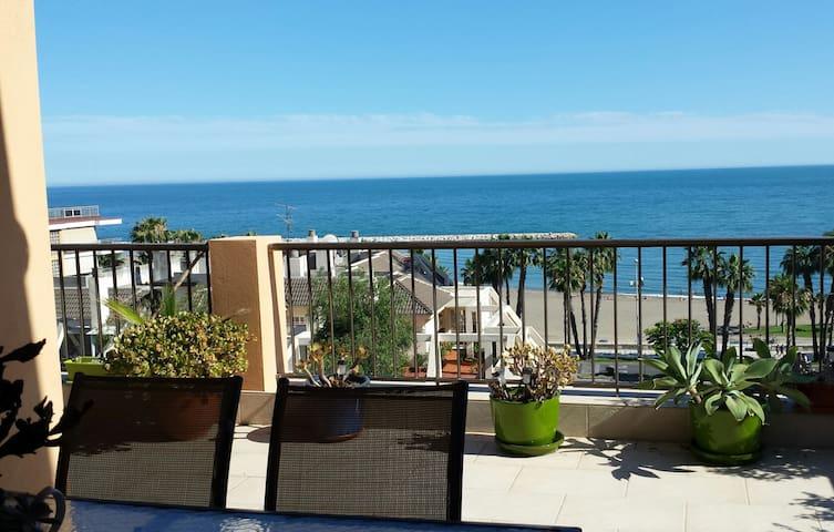 Habitación doble, casa con vistas al mar.