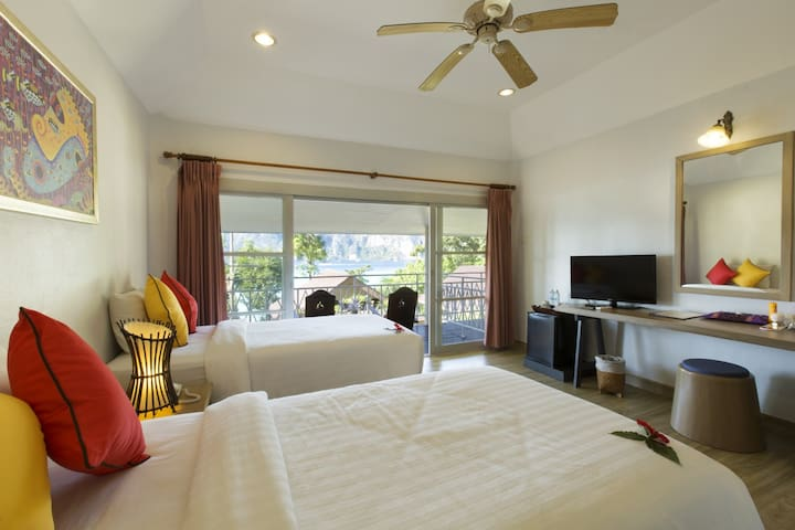 Regal Villa in Tonsai Bay!