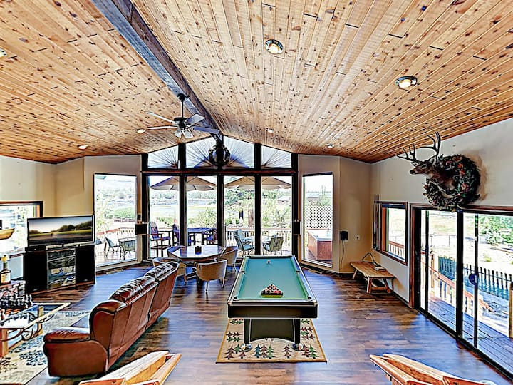 Upscale Lakefront Home w/ Hot Tub & Billiards
