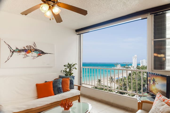 Isla Verde Ocean view Wifi Parking 1BD 2-4 guests