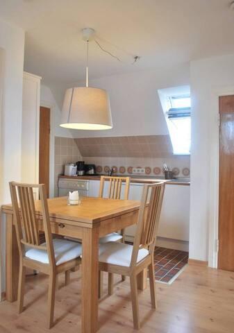 Offene Küche mit fließendem Übergang zum Wohnbereich