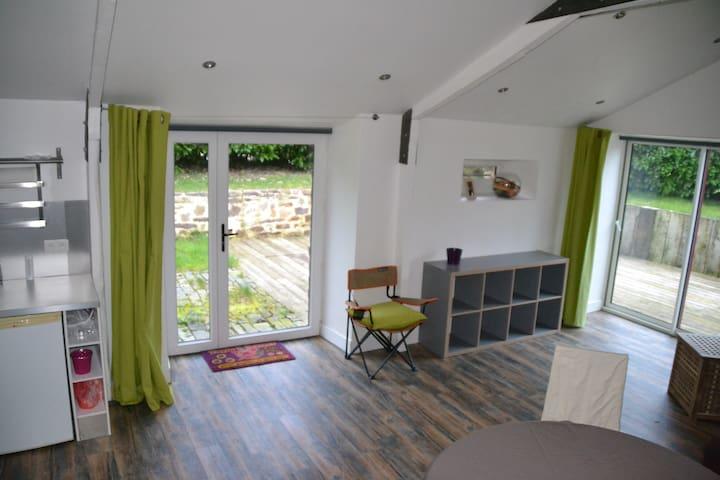 Studio cosy pour 2 personnes dans longère - Paimpont