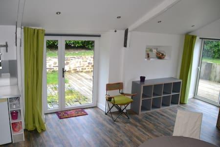 Studio cosy pour 2 personnes dans longère - Paimpont - Apartemen