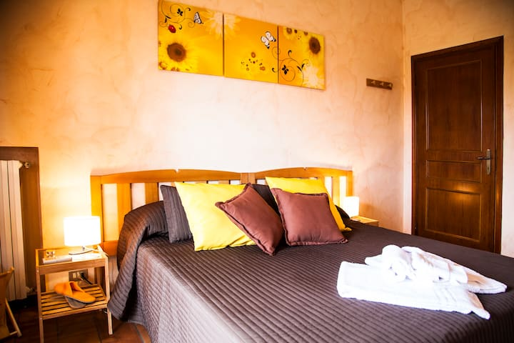 Sunflower Room (1-2 guest) - Lucca - Bed & Breakfast