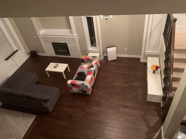 Cloverdale Spacious Basement Suite