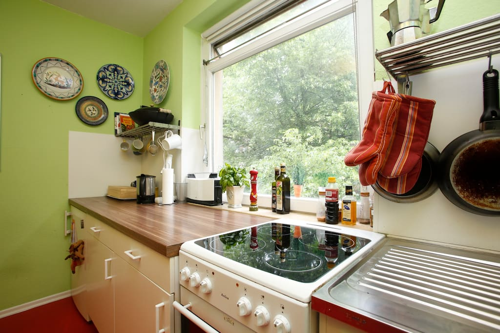 You may use the kitchen for coffee, tea and small snacks.