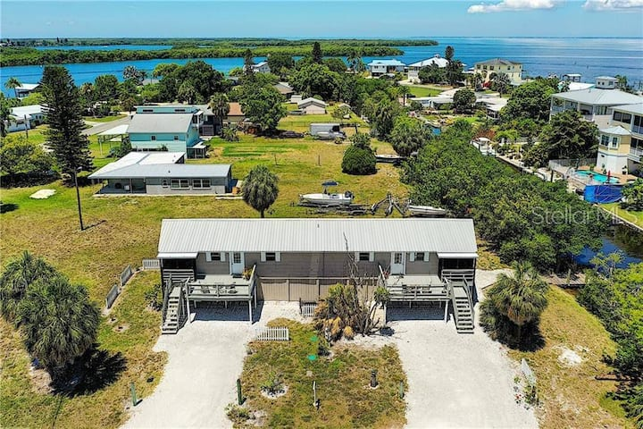 Dockside duplex with direct access to Tampa Bay