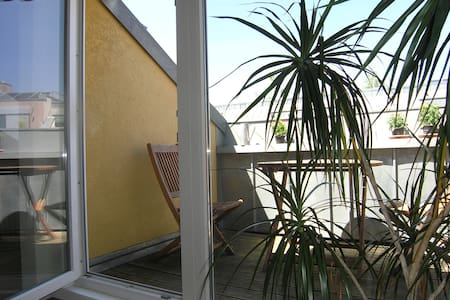 Cosy attic storey (2 rooms, 67qm) - Berlin - Apartment